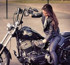 Time to Hit the Switch and Ride Out! Motorbike Girl, Motorcycle Outfit, Women Motorcycle, Lady Biker, Biker Girl, Biker Boys, Ducati, Motard Sexy, Chicks On Bikes