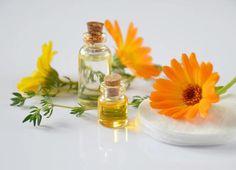 Fabriquer ses huiles de massage Cramp Remedies, Remedies For Menstrual Cramps, Home Remedies, Natural Remedies, Natural Treatments, Herbal Remedies, Best Oils, Best Essential Oils, Aloe Vera