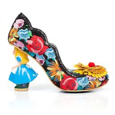 Make No Mistakes These Alice In Wonderland Shoes Look Amazing