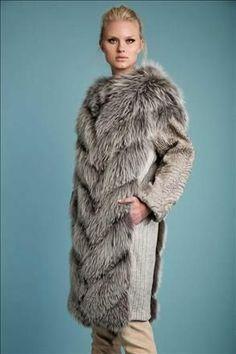 PKZ Furs coats peacoats coats cute coats white sneakers coats and jackets coats wool Pea Coats Women, Winter Coats Women, Versace Jacket, Fur Coat Fashion, Merian, Jackets For Women, Clothes For Women, Denim Coat, Fall Winter Outfits