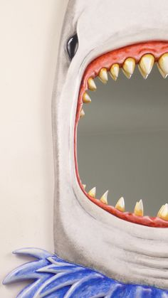 GGGreat White Shark attack Mirror....