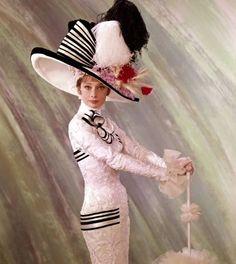 audrey hepburn as eliza doolittle in my fair lady Audrey Hepburn Hut, Audrey Hepburn Photos, My Fair Lady, Eliza Doolittle, Vintage Outfits, Cecil Beaton, Fancy Hats, Love Hat, High Fashion