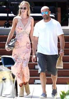 Street style do casal Rosie Huntington-Whiteley e Jason Statham.
