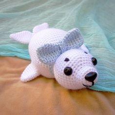 Huggable Hugo the Harp Seal - free crochet pattern at Handcrafting a Life