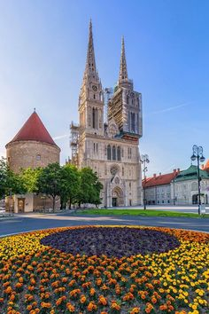 A few memories from Zagreb, the capital of Croatia. A beautiful vibrant city with loads of character. Croatia Travel, Dubrovnik Croatia, Croatia Map, Montenegro, Great Places, Places To See, Bósnia E Herzegovina, Hallstatt, Beaches In The World