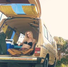 #vanlife in the pineapple with @jessarahjoan . #slowwideturns #vanlifediaries by danielspencer_ ~ For more van life pics follow me on Instagram @van.crush https://www.instagram.com/van.crush/