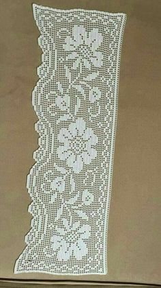 This post was discovered by Hu Crochet Doily Diagram, Filet Crochet Charts, Crochet Borders, Crochet Patterns, Crochet Curtains, Crochet Tunic, Crochet Scarves, Crochet Lace, Crochet Placemats