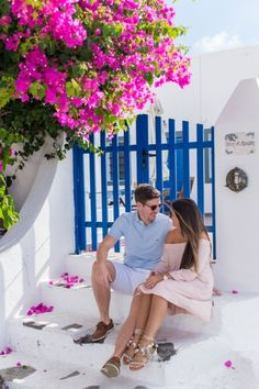 Pre-wedding photoshoot in Santorini, Greece by Phosart team! Click image to see more!