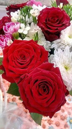 Captivating Why Rose Gardening Is So Addictive Ideas. Stupefying Why Rose Gardening Is So Addictive Ideas. Beautiful Rose Flowers, Flowers Nature, Fresh Flowers, Birthday Wishes Flowers, Large Floral Arrangements, Special Flowers, Potager Garden, Easy Garden, Flower Images