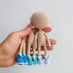 Gorgeous Amigurumi Dolls Love this sweet travelling doll crochet amigurumi pattern!As you know, I love amigurumi! And I'm so impressed by the lovely amigurumi doll patterns that are aOne piece amigurumi doll tutorial type photo, from the bottom up. Amigurumi Patterns, Amigurumi Doll, Doll Patterns, Crochet Patterns, Cute Crochet, Beautiful Crochet, Knit Crochet, Crochet Needles, Crochet Stitches
