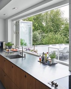 Kochen mit Genuss: Moderne Küche Fenster Ideen - Cooking with Enjoyment: Modern Kitchen Window Ideas - Home Decor Kitchen, Kitchen Interior, New Kitchen, Home Interior Design, Home Kitchens, Decorating Kitchen, Awesome Kitchen, Kitchen Modern, Interior Modern