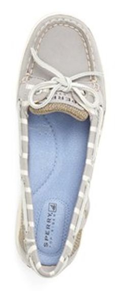 Grey Sperry top-sider boat shoes  http://rstyle.me/n/jvr7dpdpe
