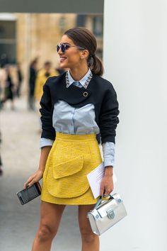 Amarillo con negro, blanco, nude, azul o estampados. Vemos las tendencias: mangas con volumen, camiseta con mensaje, hombros al aire y cinturón corsé.