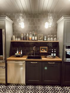 Basement Kitchen, Kitchen Dining, Luxury Home Decor, Luxury Homes, Colonial Home Decor, Craftsman Bathroom, Cozy Room, Traditional Decor, Little Houses
