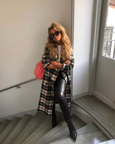The Best Casual Outfits With Leggings to Wear This Fall Casual Outfits For Teens, Stylish Outfits, Cool Outfits, Teen Outfits, Fall Fashion Trends, Autumn Fashion, Fall Trends, Girl Fashion, Fashion Outfits