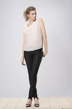 Aimi top white
