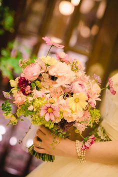 「私は、大喜びでした」 お花直しの 二つのブーケ ホテルマンハッタン様へ : 一会 ウエディングの花