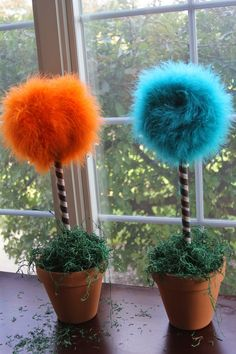 The Real Housewife of Tazewell County: DIY Truffula Trees or Truffula Flowers (Dr. Suess' The Lorax)