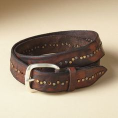 Tuscan Studded Belt: Style-wise, this Italian-made, studded belt hits the nail on the head. Rugged leather with mixed-metal studs. Faux Leather Belts, Leather Tooling, Leather Craft, Leather Wallet, Handmade Leather, Leather Bags, Vintage Leather, Estilo Rock, Studded Belt