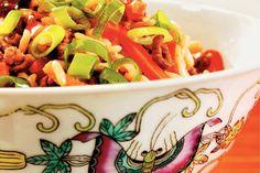Kijk wat een lekker recept ik heb gevonden op Allerhande! Gebakken rijst met gehakt en groenten