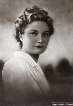 H.K.H. Josephine van België. 1950, bromide foto formaat 12 x 17 cm. Foto van Robert Marchand uit de verzameling van Wilfried Vandevelde.