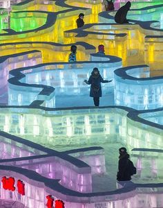 Visitors walks in an ice maze at the China Ice and Snow World on Jan. on the eve of the opening ceremony of the Harbin International Ice and Snow Festival in Harbin, Heilongjiang province, China. Harbin, Snow Sculptures, Snow And Ice, Pictures Of The Week, China Travel, Les Oeuvres, Winter Wonderland, Cool Photos, Tourism