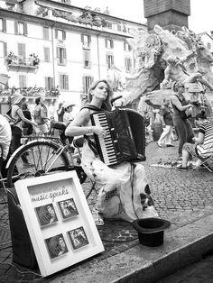 """Piazza Navona, Roma, 1° riScatto urbano di Paolo Brasca. Saranno conteggiati i """"mi piace"""" al seguente post: https://www.facebook.com/photo.php?fbid=1482527628708109&set=o.170517139668080&type=3&theater"""