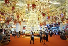 Best Klang Valley Malls with Stunning Christmas 2018 Decorations to Visit This Holidays ~ Parenting Times November Holidays, School Holidays, School Holiday Programs, Enrichment Programs, Mall, Dolores Park, Parenting, Decorations, Times