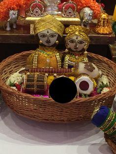 Dry coconut dolls