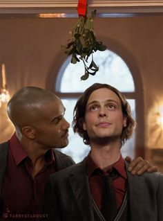 You are way too cute, you know that? Shemar is one lucky guy here.I'd give anything to take his place under that mistletoe with MGG! Criminal Minds Tv Show, Criminal Minds Memes, Spencer Reid Criminal Minds, Dr Spencer Reid, Dr Reid, Matthew Gray Gubler, Crimal Minds, Funny Photos Of People, Bae