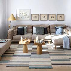 Nos colamos en la casa de Nani Marquina gracias a la revista @elle_spain y disfrutamos de una tarde en su salón sentados en el sofá Time de Mario Ruiz para  @joquer_bcn y la alfombra de Lattice diseño de Ronan & Erwan Bouroullec para @nanimarquina_official  • • • #DomésticoShop #design #interiordesign #diseño #diseñointerior #love #pursuepretty #interiorarchitecture #happy #theartofslowliving #vogueliving #seekthesimplicity #homestyle #darlingmovement #cute #theartofrefinedliving…