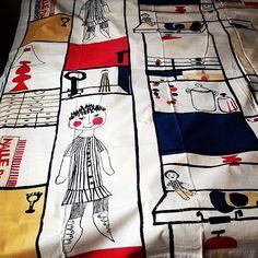 Old fabric by Vuokko Eskolin (later Nurmesniemi) called Muksunhylly. Produced by Printex.