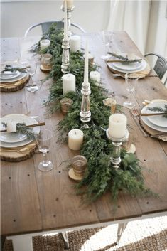 A beautiful farmhouse Christmas tablescape with rustic elements, mixed metals, and natural greenery. Perfect for a hosting a holiday dinner! and Christmas Tablescapes Holiday Tablescapes Decorating for Christmas Dining Room Holi Christmas Table Settings, Christmas Tablescapes, Holiday Tablescape, Table Centerpieces For Christmas, Christmas Party Table, Christmas Brunch, Christmas Dinning Table Decor, Disneyland Christmas, Winter Centerpieces