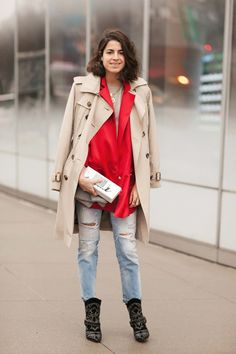 50 Street-Style Snaps From NYFW. beautiful isabel marant booties and burberry trench in practical use. Fashion Week 2015, New York Fashion, Love Fashion, Fashion Looks, Fashion Outfits, Womens Fashion, Stylish Street Style, Leandra Medine, Man Repeller
