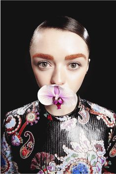 Maisie Williams for Evening Standard Photoshoot by Jenny Brough (August Game Of Thrones Queen, Game Thrones, Maisie Williams Sophie Turner, Best Young Actors, Teen Awards, Instyle Magazine, New World Order, Arya Stark, Games For Girls