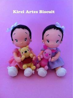 Bonecas personalizada com as característica da criança,  podem ser usadas como topo de bolo ou decoração.   O valor refere se a cada boneca, a unidade.   orçamentos e sugestões: kireiartes@hotmail.com R$40,00