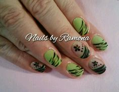 Gel Nail Polish with Nail Art. Nails By Ramona.