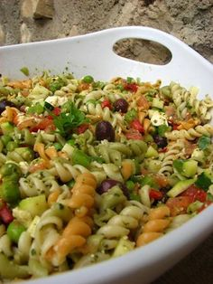 salade_pistou_rs Salade Healthy, Yummy Food, Tasty, Food Videos, Pasta Salad, Catering, Healthy Recipes, Healthy Food, Food And Drink