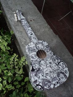 Ukulele w/ sharpie portraits Ukelele Painted, Painted Guitars, Arte Do Ukulele, Ukelele Soprano, Ukulele Design, Guitar Painting, Cool Guitar, Guitar Art Diy, Music Stuff