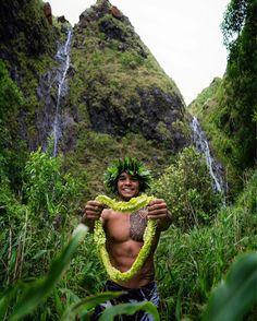 'O ke aloha ke kuleana o kahi malihini'— love is the host in strange landshttps://store.waiakeasprings.com/ || @scoobymattos