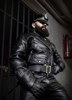 Leather Blazer, Leather Gloves, Leather Men, Black Leather, Leather Fashion, Mens Fashion, Cigar Men, Hard Men, Beard Love