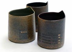 Gobelets grès par Patricia Vieljeux. Un décor et une forme simples et subtils
