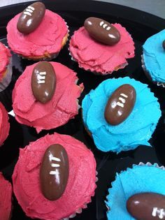 State of Origin (Queensland v New South Wales) footy cupcakes. Go the maroons!