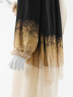 """Coat ca. 1927 House of Chanel (French, founded 1913) Designer: Gabrielle """"Coco"""" Chanel (French, Saumur 1883-1971 Paris) Silk, metal (hva)"""