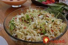 Šalát je vhodný ako príloha napríklad k pečienke s ryžou, ale je chutný aj samostatne.