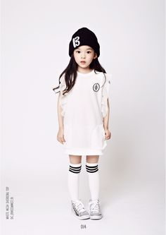 I like her socks! Girls White Dress, Dresses Kids Girl, Kids Outfits, Preteen Fashion, Girl Fashion, Fashion Kids, Decoration Design, Kid Styles, Child Models