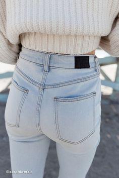 43d9be14 Girlfriend Jeans, Slim Legs, High Rise Jeans, Bleach, Blue Jeans, Beautiful