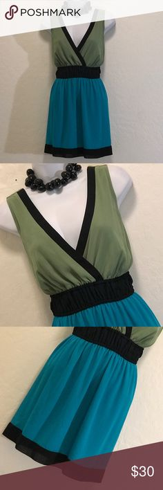 NWOT Bisou Bisou Mini Color Block Dress Never Worn, Lined, Deep V-neck, Elastic Waist, Great Colors & Print. Dresses Mini