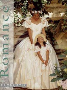 Ideas wedding dresses vintage cream blush pink for 2020 Cream Wedding Dresses, Designer Wedding Dresses, 1980s Wedding Dress, Style Année 80, Vintage Bridal, Vintage Weddings, Wedding Dress Patterns, Beautiful Wedding Gowns, Cream Blush