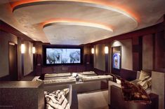 10 Basement Home Theater for an Ultimate Pleasure at Home Best Home Theater, Home Theater Setup, Home Theater Rooms, Home Theater Seating, Home Theater Design, Movie Theater, Mansions For Sale, House Windows, Home Cinemas